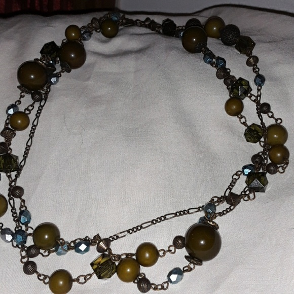 Vintage Jewelry - Vintage multi strand metal lucite bead necklace